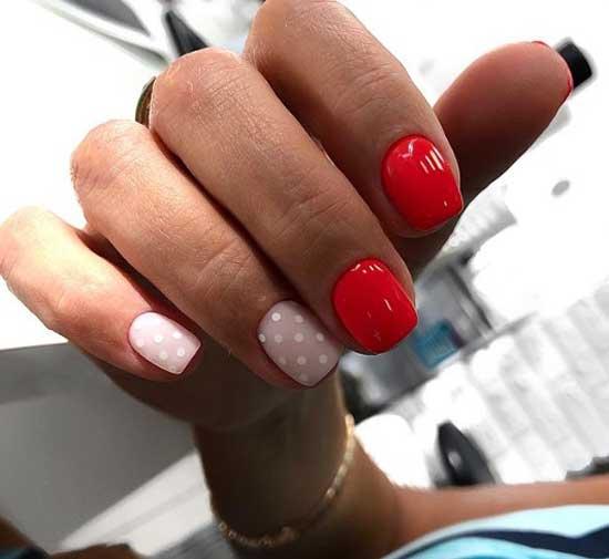 Короткие ногти и яркий дизайн