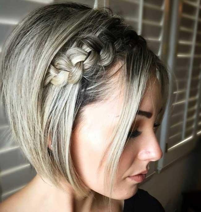 Боковая коса из челки