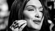 «Такой идеальный»: Белла Хадид задает тренд на новый цвет маникюра