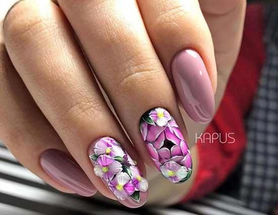 Цветочный нейл-дизайн
