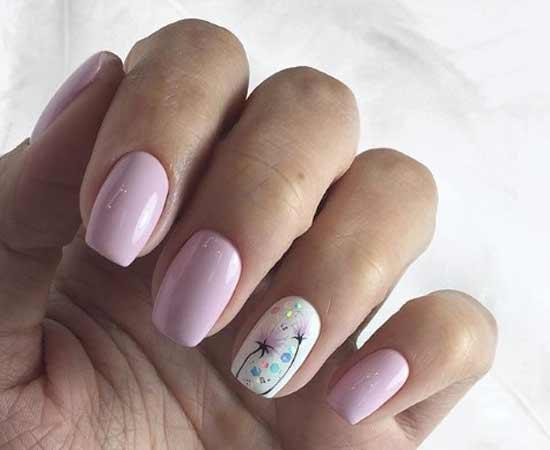 Нежный дизайн ногтей с акцентом