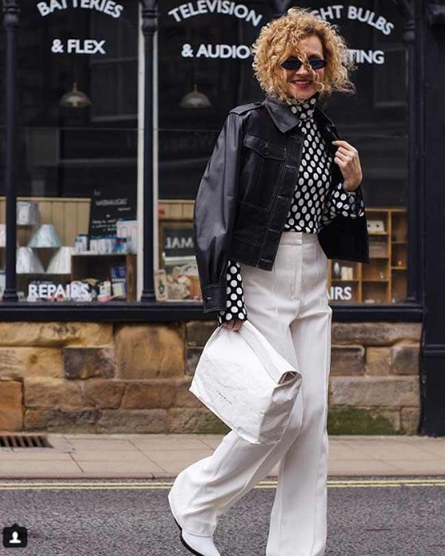 Модный лук с блузкой горошек