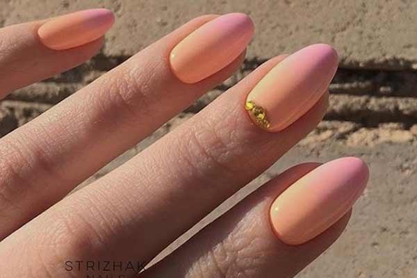 Маникюр оранжево-розовый градиент