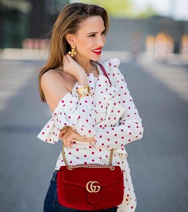 Модная блузка в горошек