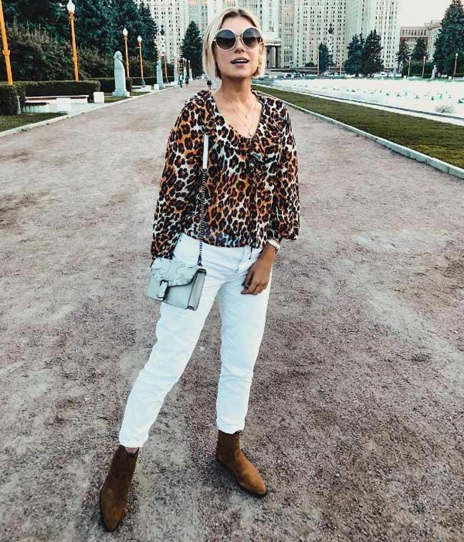 Модная блузка с анималистичным принтом