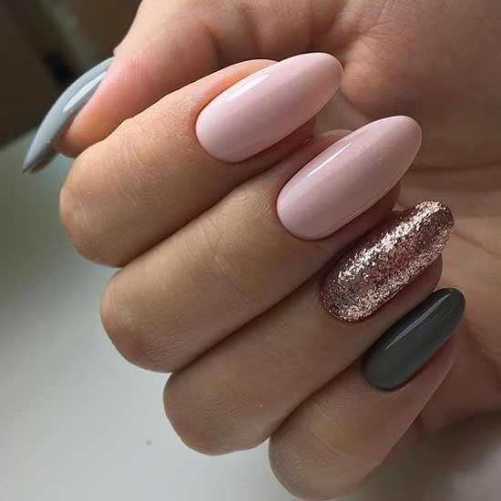 Блестки на безымянном пальце