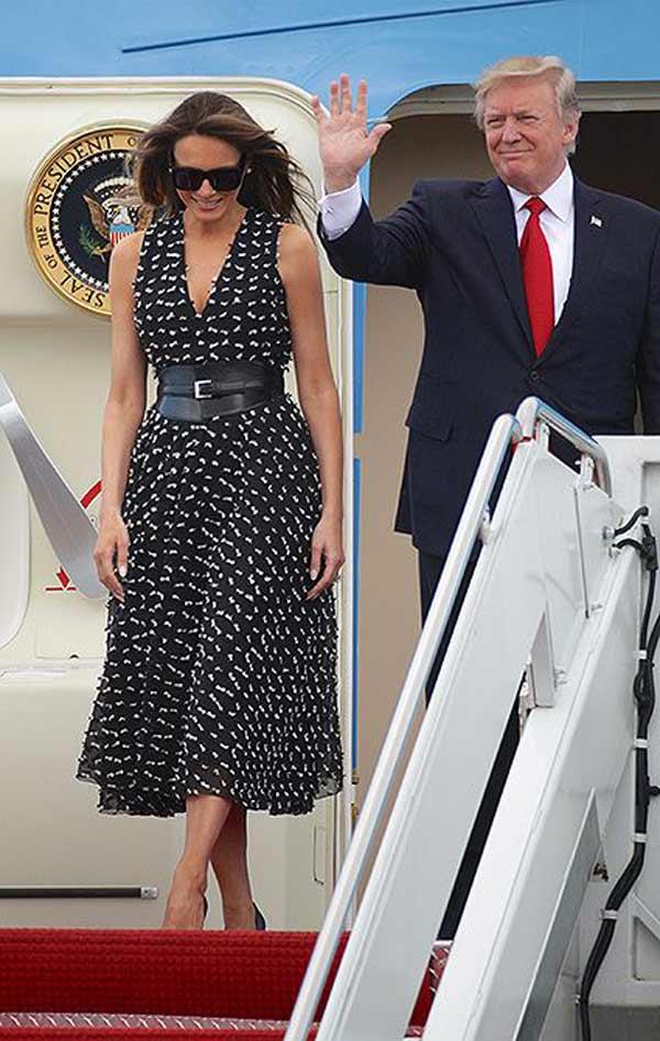 В женственном платье