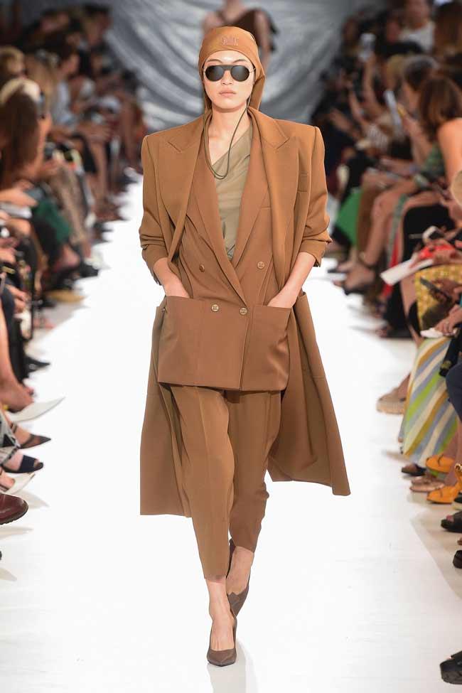 Как выглядит модный брючный костюм 2019