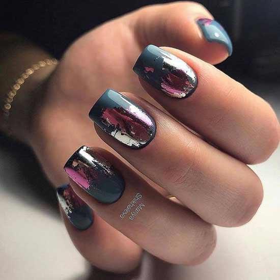 Фольга под розовое золото на ногтях