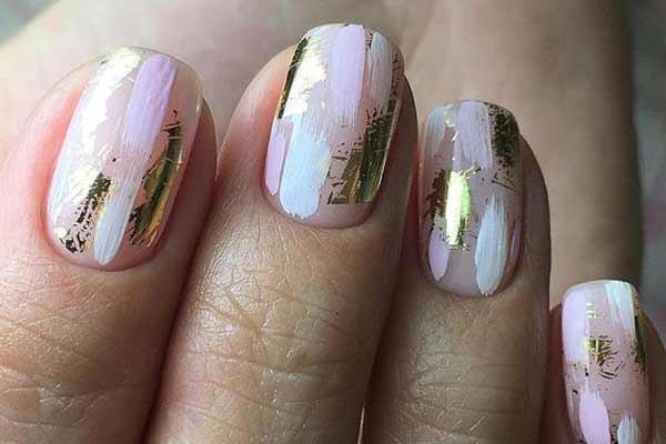 Стильный осенний маникюр на ногтях