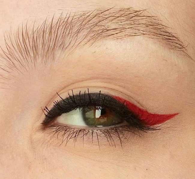 Черно-красная стрелочка на глазах