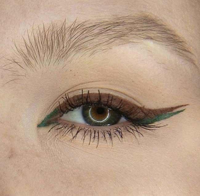 Цветная двойная стрелочка идея для макияжа глаз