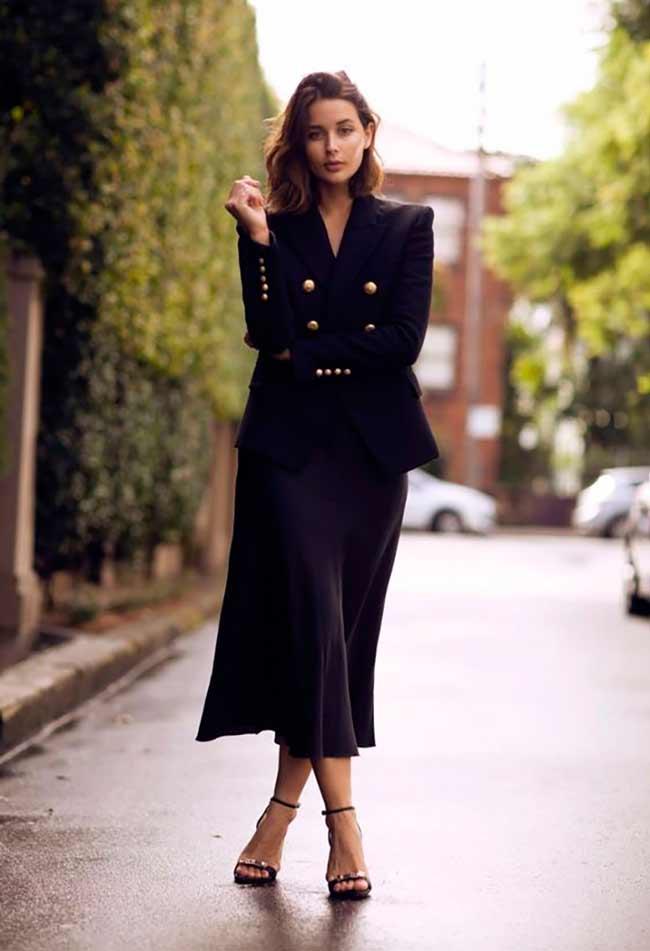 Тотальный черный = пиджак и платье