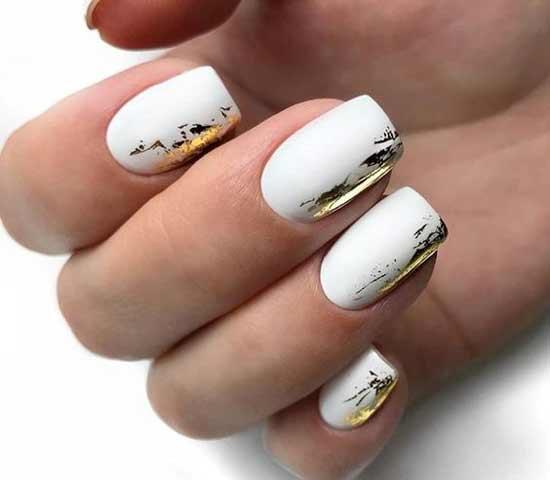Белый + золото в маникюре