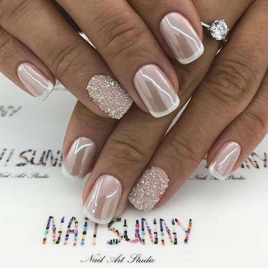Белый зимний френч на ногтях