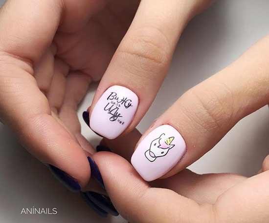 Новогоднее послание на ногтях