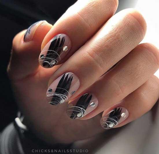 Белая паутинка на ногтях