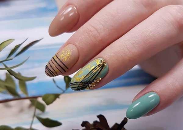 С матовой фольгой и паутинкой дизайн ногтей