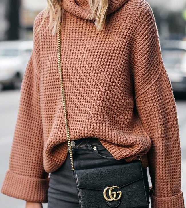 Как носить объемный свитер, фото