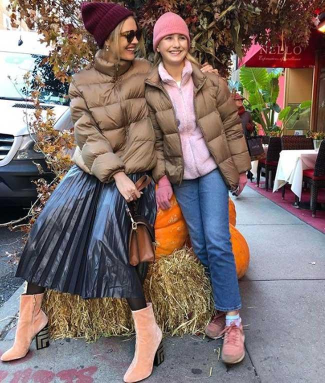 Наталья Водянова в модном пуховике зима 2019