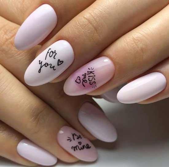 Надписи и сердечки в дизайне ногтей