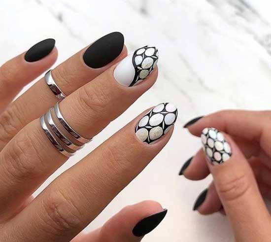Черно-белая абстракция на ногтях