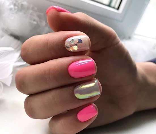 Золотистая втирка + пайетки на ногтях