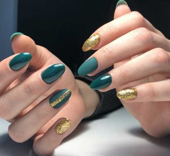 Жидкая золотая фольга на ногтях