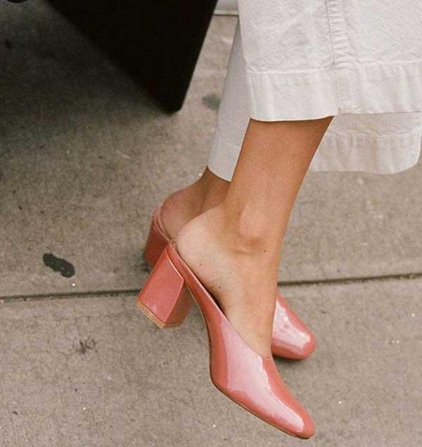 Модная обувь - мюли 2019