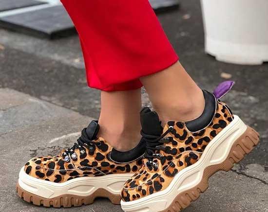 Модные кроссовки с леопардовым принтом