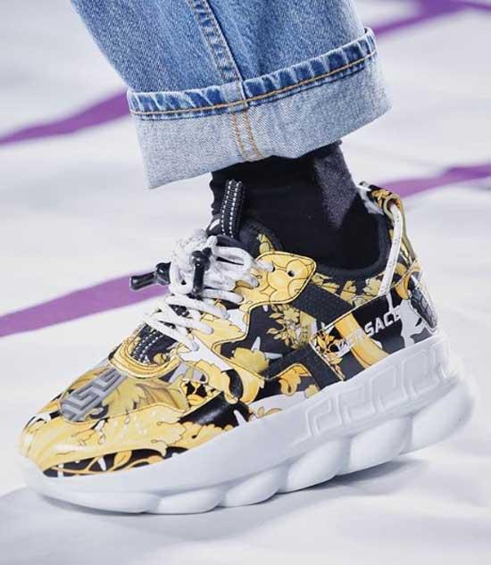 Кроссовки - модная модель 2019
