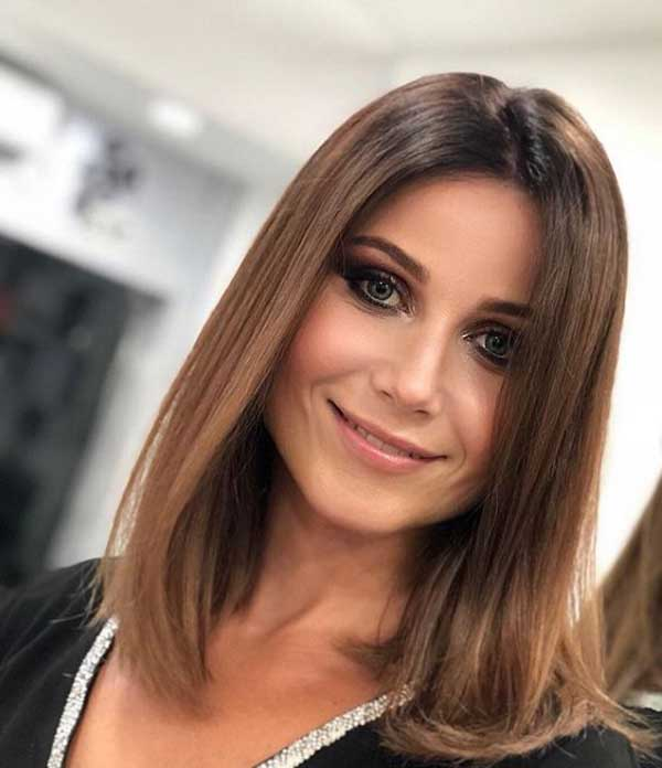 aktualnye-zhenskie-strizhki-2019-2020-na-srednie-volosy-foto-3 Красивые стрижки на средние волосы 2019-2020, фото, идеи стрижки на средние волосы