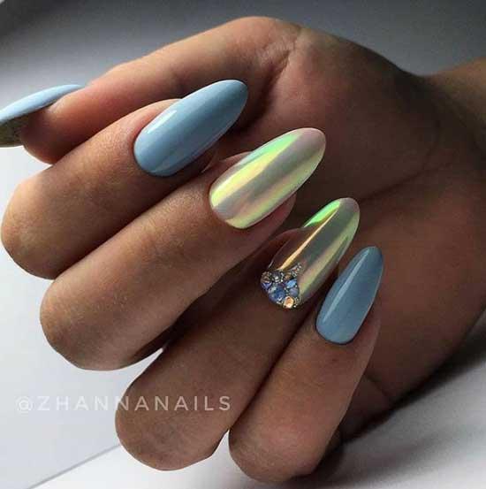 Втирка на миндалевидной форме ногтей