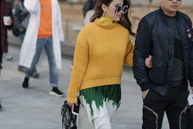 Плиссированная юбка и свитер