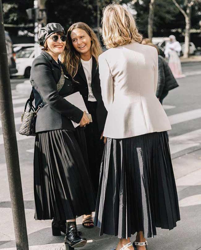 Уличные образы с плиссированной юбкой