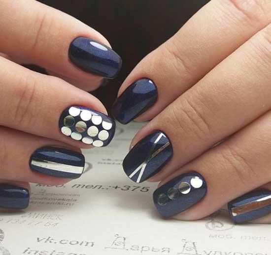 Синий комбинированный маникюр