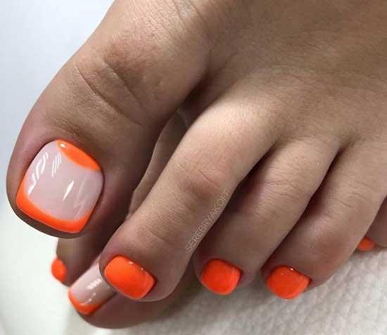 Оранжевый лунный педикюр