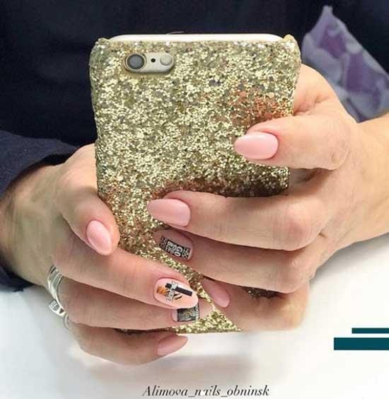 Светло-розовый с полосками дизайн ногтей