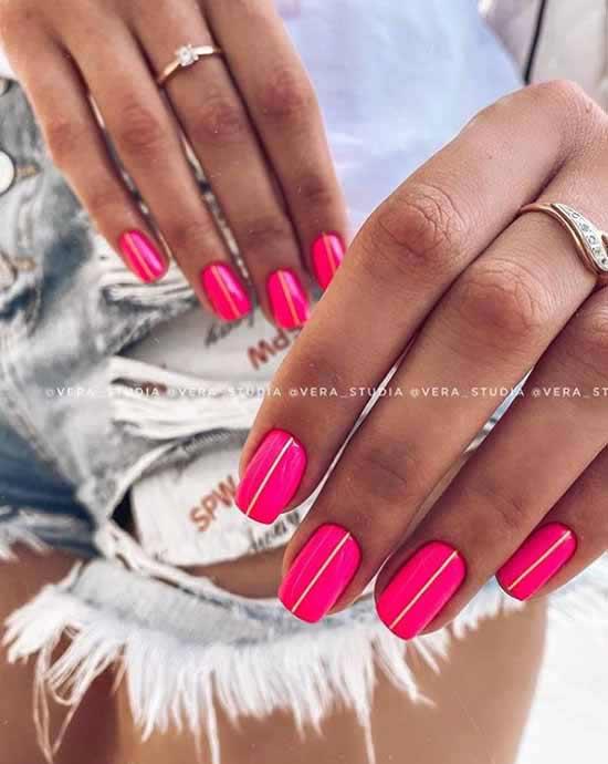 Яркие ногти с неоновыми полосками