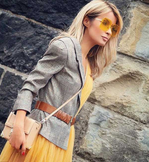 Модный серый пиджак