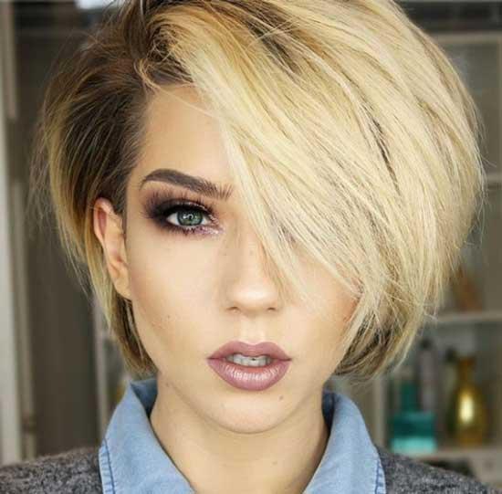 Блондинка с модной стрижкой