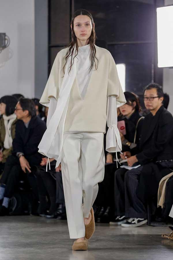 CYCLAS - луки с белой рубашкой
