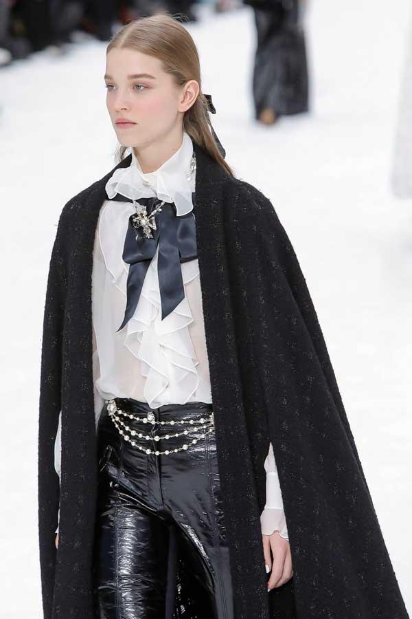 Chanel - лук с белой рубашкой