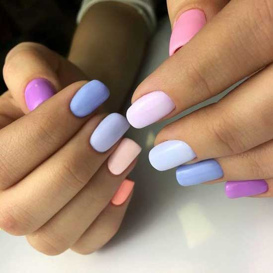 Разноцветные ногти в пастельных оттенках