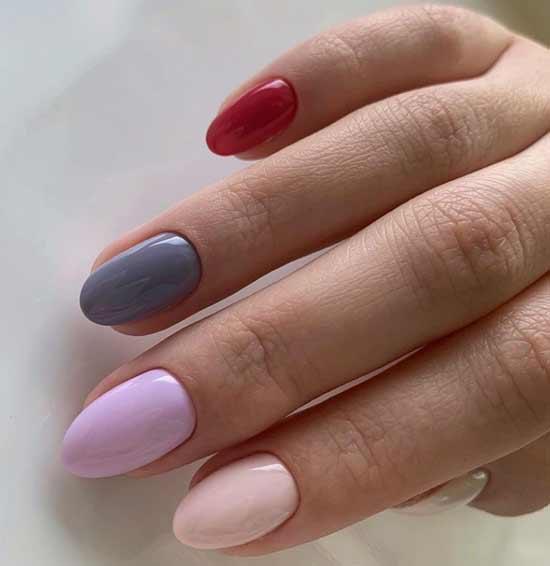 Разноцветный маникюр розово-серый