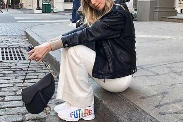 С чем носить белые кроссовки образы лучших модниц