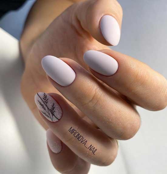 Светлый дизайн ногтей