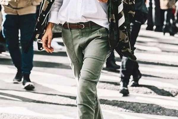 Брюки в стиле милитари с чем носить