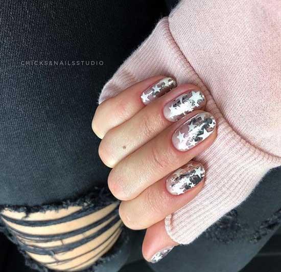 Дизайн ногтей звездочки и фольга