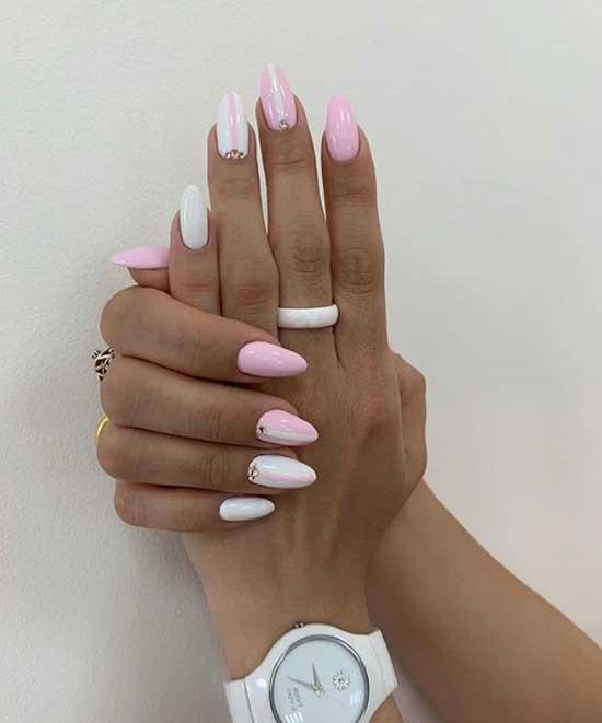Розовый и белый - маникюр в офис